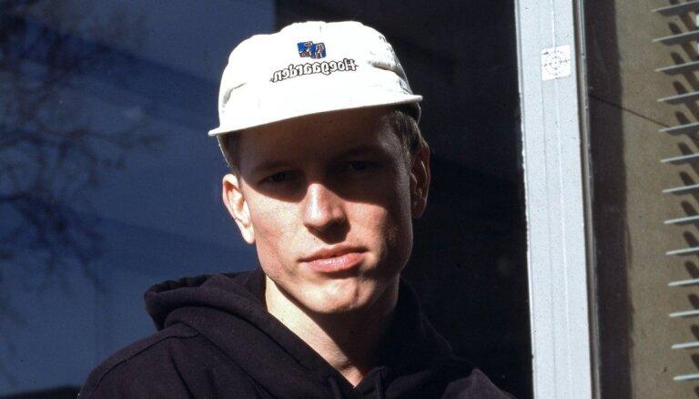 Tallinas ielas kvartālā būs aplūkojams mākslinieka Aleksandra Brežes darbs 'Pļavniekos'