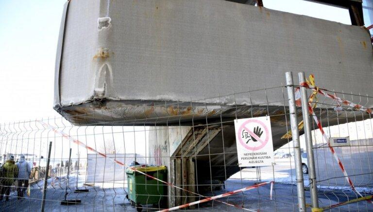 Рижская дума ищет подрядчика для реконструкции лестниц Вантового моста