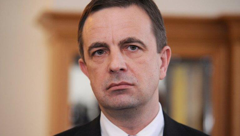 Ronis pirms sarunām ar EK aicina atturēties no vilcienu iepirkuma vērtēšanas