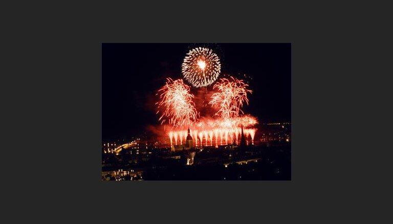 Кульминация 800-летия Риги завершилась грандиозным фейерверком