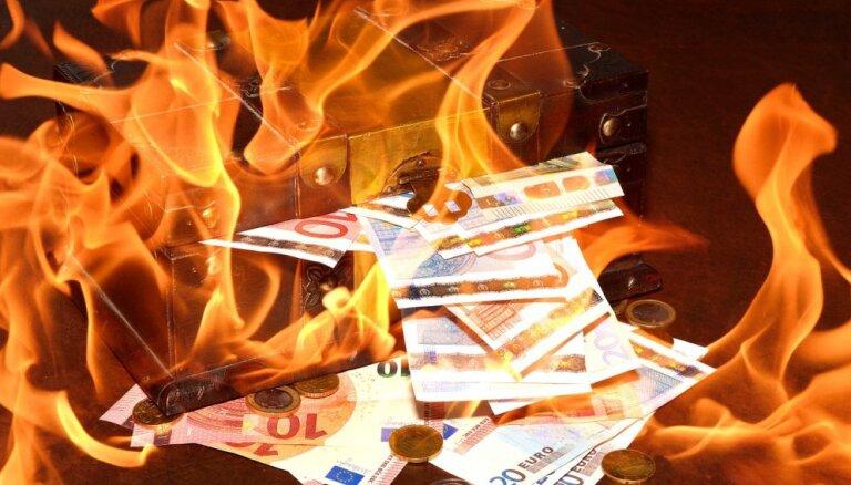 Nākamgad visā pasaulē būtiski varētu pieaugt uzņēmumu bankrotu skaits, liecina pētījums