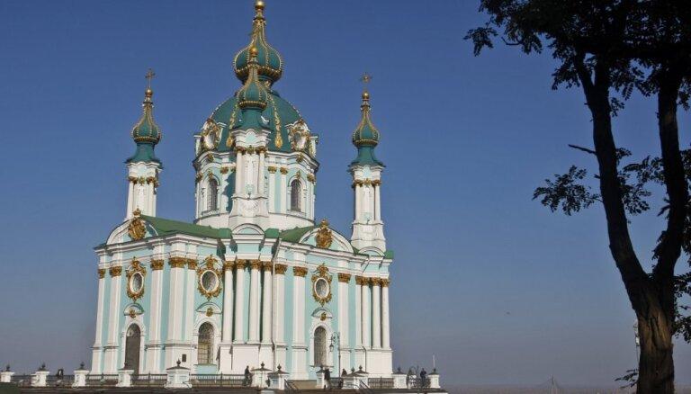 Ukrainas varasiestādes veikušas kratīšanu trīs pareizticīgo baznīcās