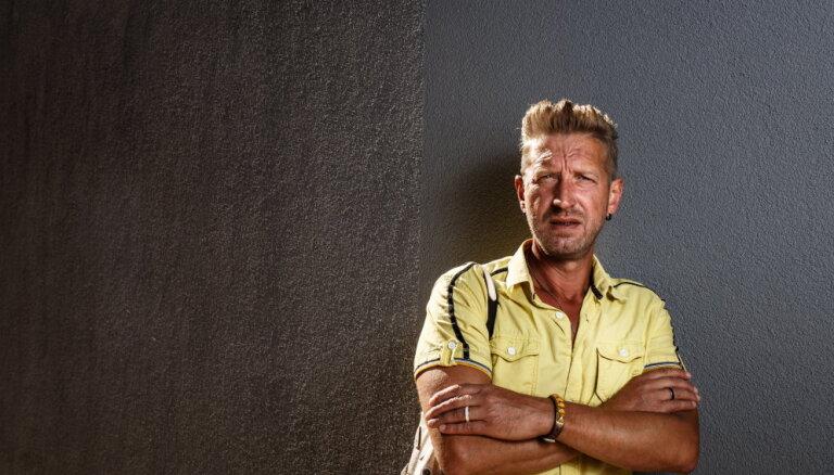 Dāvidam nopietnas veselības problēmas; teju apstājusies sirds