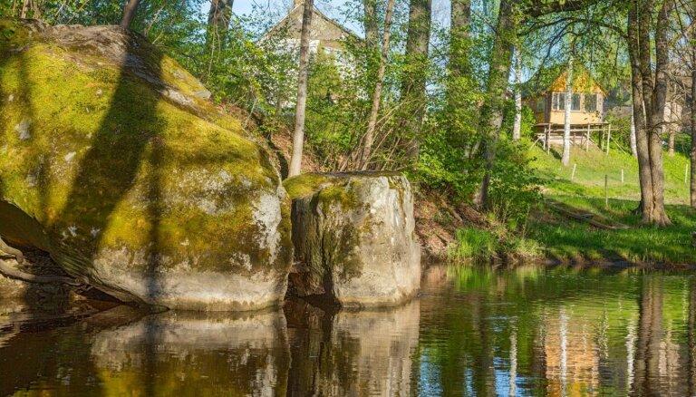Foto: Iespaidīgais Žākļu velnakmens Vizlas upes ielejā