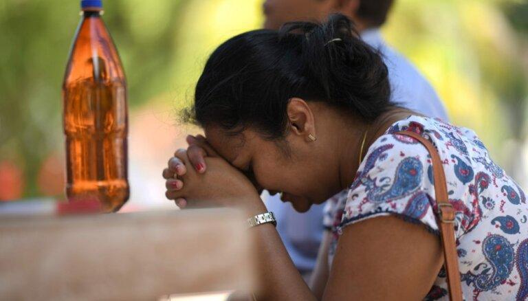 Upuru skaits sprādzienos Šrilankā pieaudzis līdz 290
