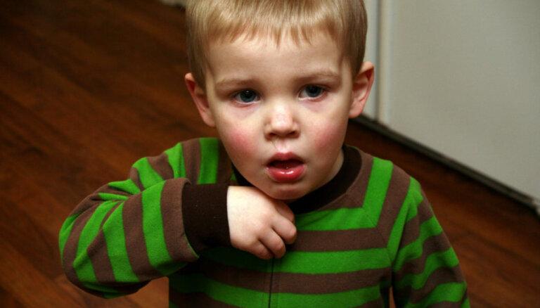 Latvijā 20 reizes audzis ar garo klepu saslimušo bērnu skaits; viens no iemesliem – nevakcinēšanās
