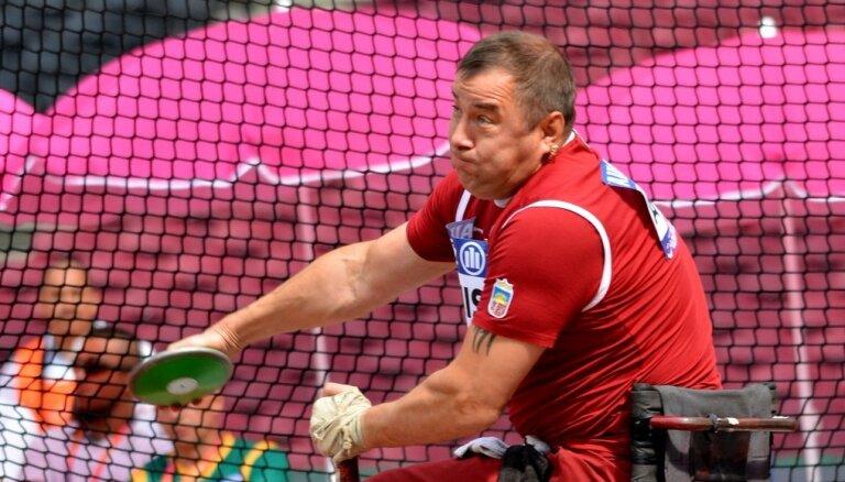 Apinis: Sidnejas paralimpiskajās spēlēs medaļu izcīnīju pēc protesta un atkārtotas medicīniskās pārbaudes