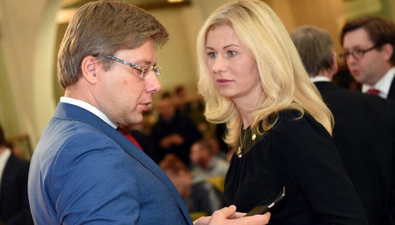 LTV: Ušakova privāto 'Facebook' kontu apkalpojuši Rīgas domes darbinieki