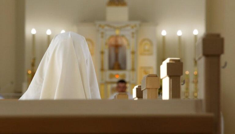 Par Latvijas Bīskapu konferences priekšsēdētāju ievēlēts bīskaps Viktors Stulpins