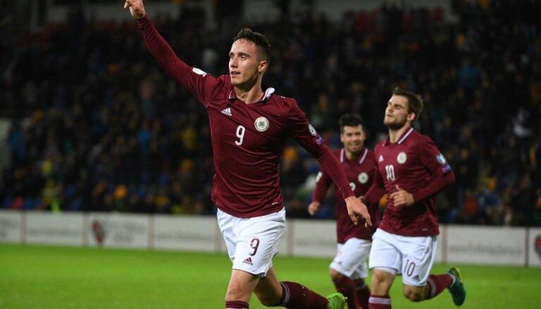 Uzbrucēji Gutkovskis un D.Ikaunieks savainojumu dēļ nepalīdzēs Latvijas izlasei jūnija spēlēs