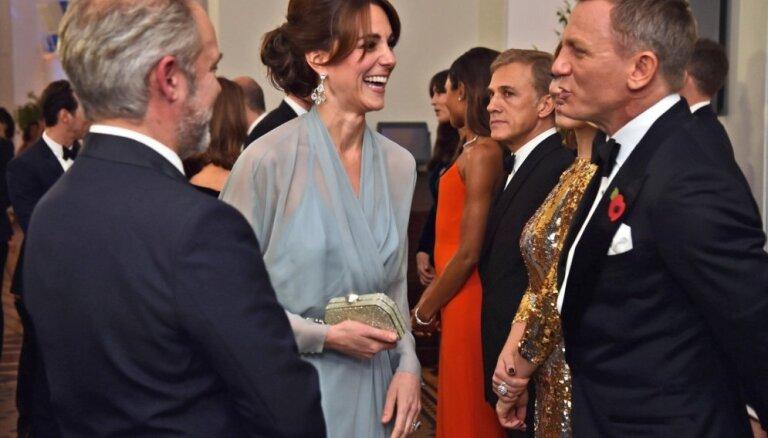 Foto: Karaliskā Bonda jaunās filmas 'Spectre' pirmizrāde