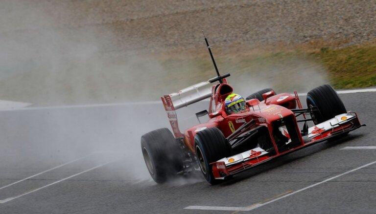 'Ferrari' sagaida 'šokējošu' sezonas pirmo posmu Melburnā