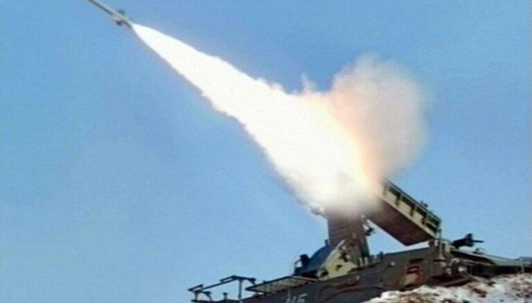 Ziemeļkorejas raķešu izmēģinājumi ir nopietns drauds ASV, pauž Kārters