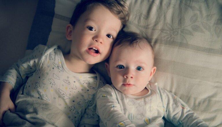 Vecākais un jaunākais bērns: pirmdzimtā sagatavošana un secības ietekme uz raksturu