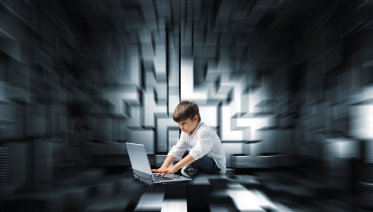 Почему мы ведёмся на обман в сети: ошибки восприятия и психология манипуляций