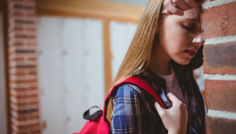 VBTAI: ar fizisko un emocionālo vardarbību bērni visbiežāk saskaras izglītības iestādē