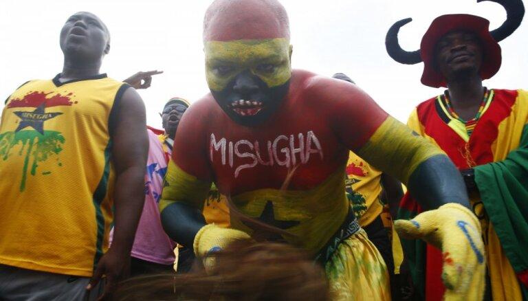 Футбольных болельщиков из Ганы не впустили в Литву