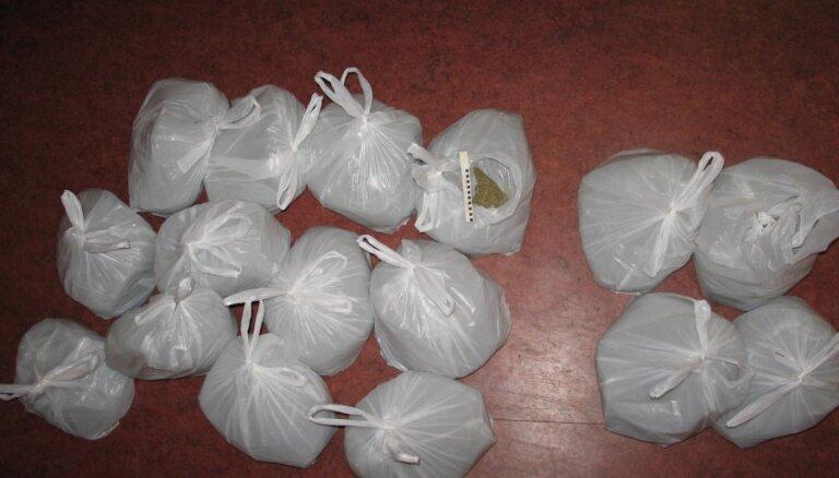 Par 30 gramiem heroīna Latvijas pilsonim būs jāpavada 10 gadi Lietuvas cietumā
