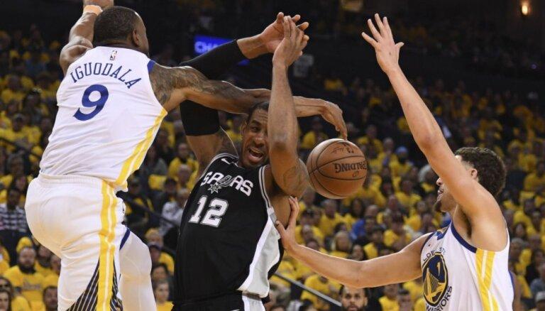 Dāvis Bertāns un 'Spurs' izstājas no cīņas par NBA čempionu titulu