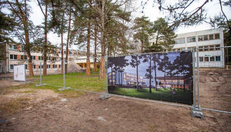 Jūrmalā sākti Lielupes pamatskolas ēku kompleksa būvdarbi