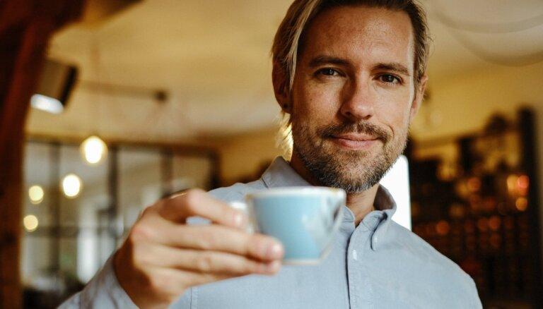 'Tasty' degustē kafiju no lielveikala plaukta un eksperta krājumiem. Kura labāka?