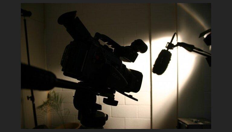 Vācijā pieaudzis uzbrukumu skaits žurnālistiem, liecina ziņojums