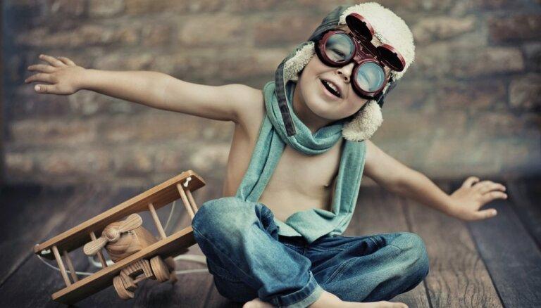 Vienkārši ieteikumi, kā izaudzināt bērnu – optimistu