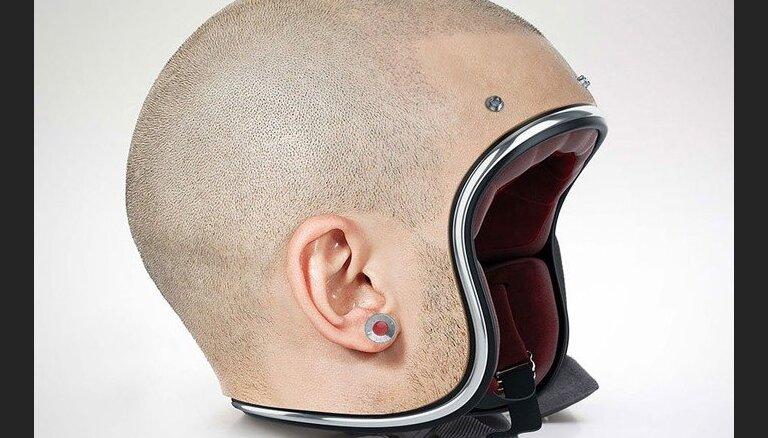 Dīvaini vai ģeniāli? Motociklistu ķiveres, kas izskatās pēc cilvēku galvām