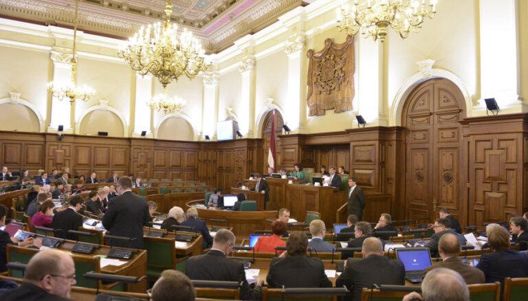 Martā Saeimas deputātiem atalgojumā izmaksāti 171 600 eiro