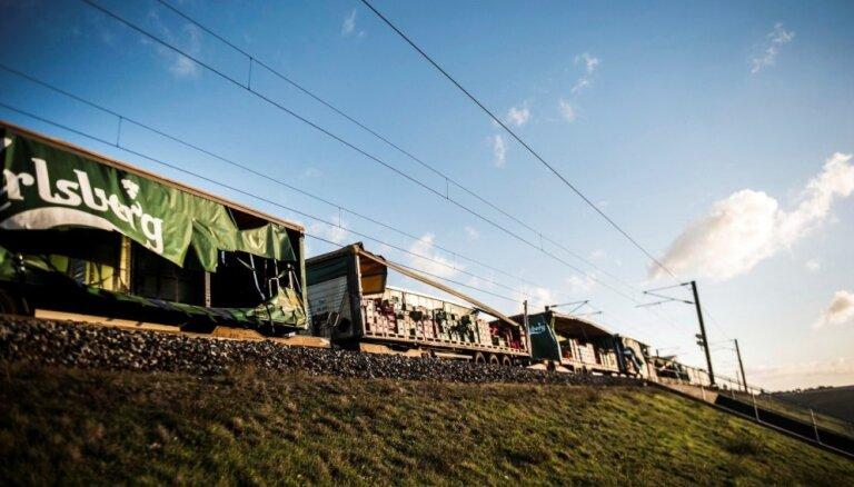 Vilcienu sadursmē Dānijā bojā iet seši cilvēki