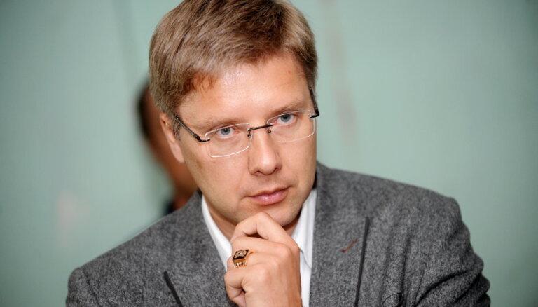 """Ушаков: не хочу, чтобы МИД включил в """"черный список"""" Деда Мороза"""