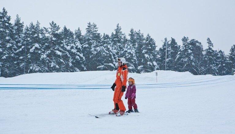 Mežaparkā darbu uzsāks Sniega parks ar bezmaksas slidotavu un slēpošanas trasi