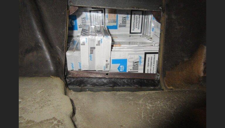 Uz Latvijas-Krievijas robežas atklāj 28 700 kontrabandas cigarešu