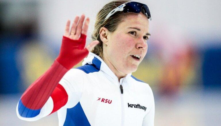 Krievijas izlases ātrslidotāja Grafa labprātīgi atteikusies no starta Phjončhanas Olimpiādē
