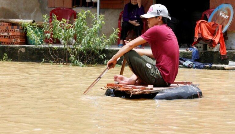 Vjetnamā plūdos un zemes nogruvumos 19 bojāgājušie