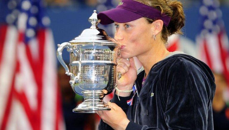 Stosura triumfē 'US Open' un tiek pie pirmā 'Grand Slam' turnīru titula
