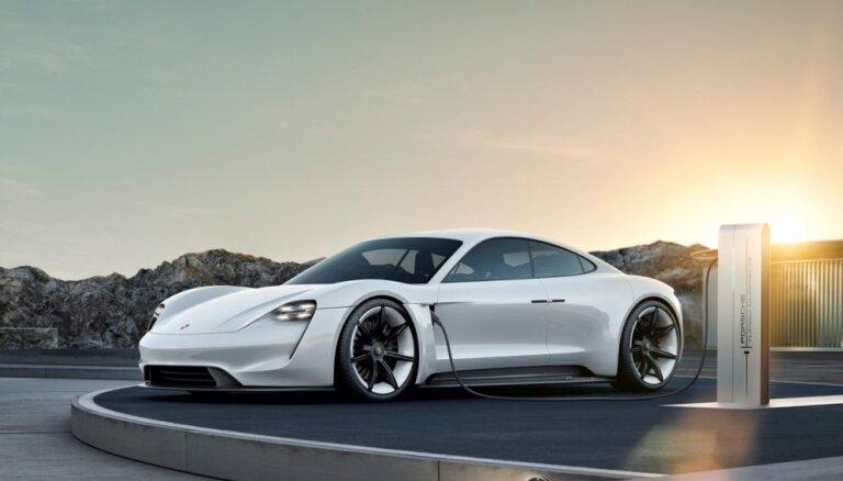 Elektriskajam 'Porsche Taycan' jau šobrīd ir vairāk nekā 20 tūkstoš potenciālo pircēju