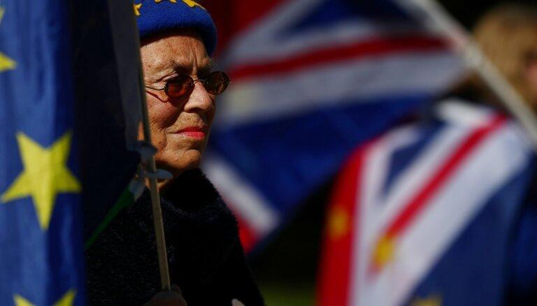 Lielbritānijā pēc EP vēlēšanām populārākie ir liberāļi, liecina aptauja