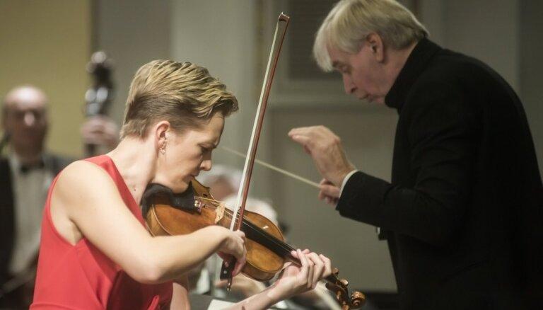Liepājas Simfoniskais orķestris koncertēs kopā ar izcilo vijolnieci Vinetu Sareiku