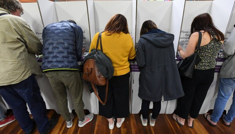 Экс-рижане жалуются: в Великобритании им не дали проголосовать на выборах в Европарламент