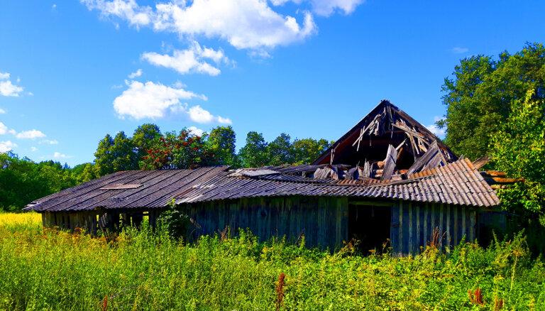 Kā fēnikss no pelniem: pussagruvis šķūnis Lēdurgā pārtop greznā namā