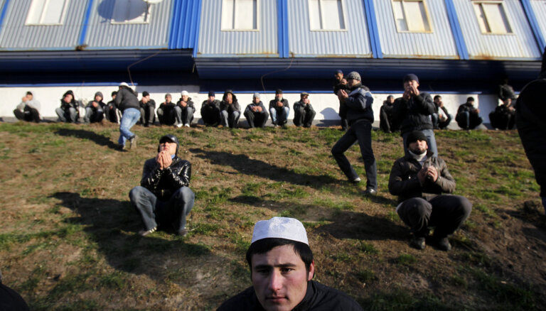 Эпидемиологи: иностранные работники живут изолированно от остального общества