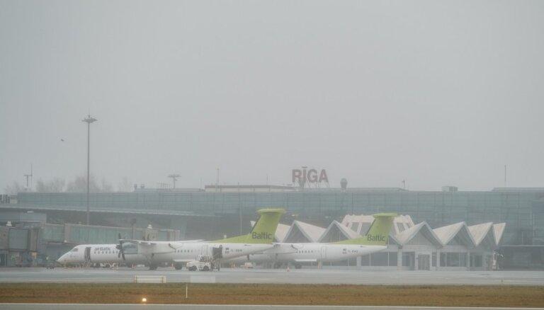 Pasažieru skaits lidostā 'Rīga' sarucis par 73%; uzlabojusies kravu un biznesa pārvadājumu statistika