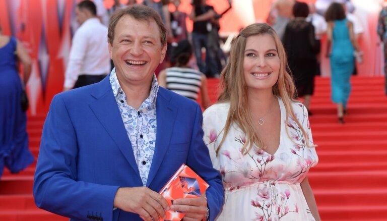 Избитая жена Марата Башарова добилась развода