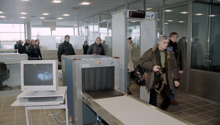 Rindas Rīgas lidostā rada pasažieru pieaugums un rudens vīrusu laiks