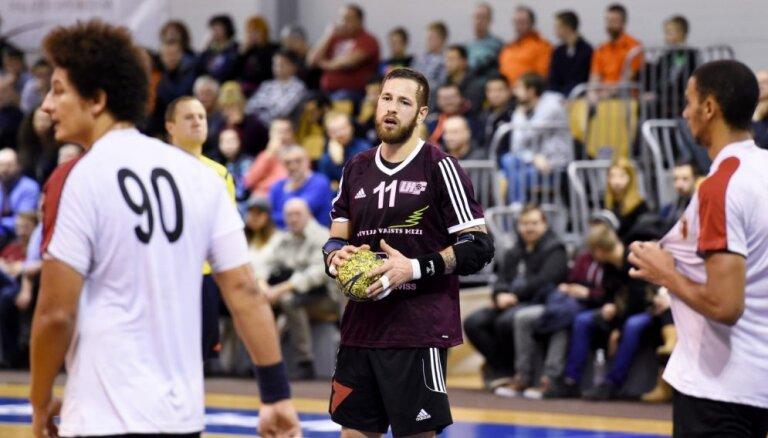 Latvijas handbola izlasei EČ kvalifikācijas mačos pret Igauniju jāiztiek bez kapteiņa Dudes
