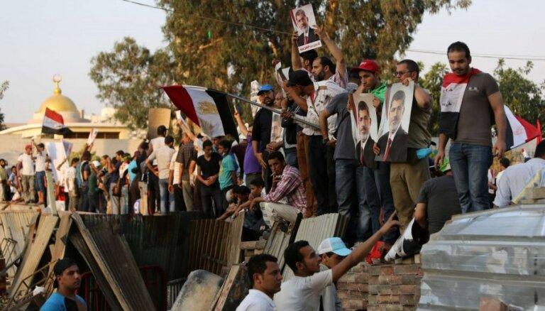 Ēģiptes Iekšlietu ministrija atkārtoti aicina Mursi atbalstītājus izklīst