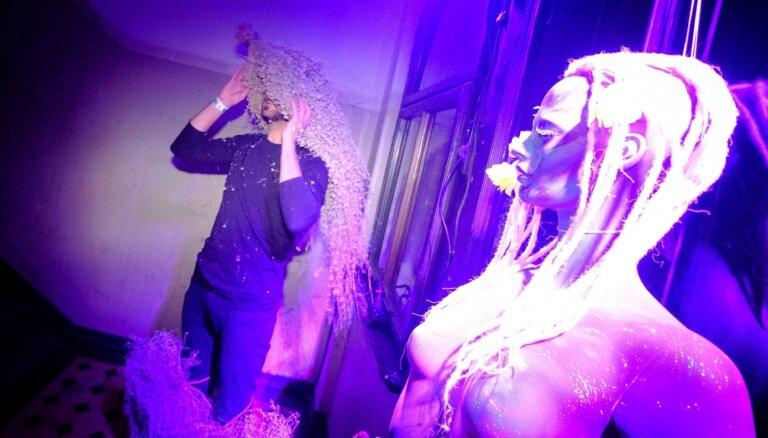 Foto: Citā pasaulē uz vienu nakti – ieskats leģendārajā Mākslas akadēmijas karnevālā
