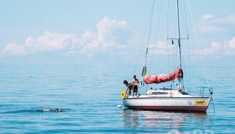 'Gulf of Riga Regatta': vēja trūkuma dēļ apdraudēta vēl viena sacensību diena