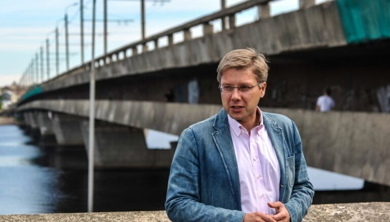 'Vienotība': Ušakovs priekšvēlēšanu cīņās izmanto Putina autoritārisma politikai raksturīgas metodes